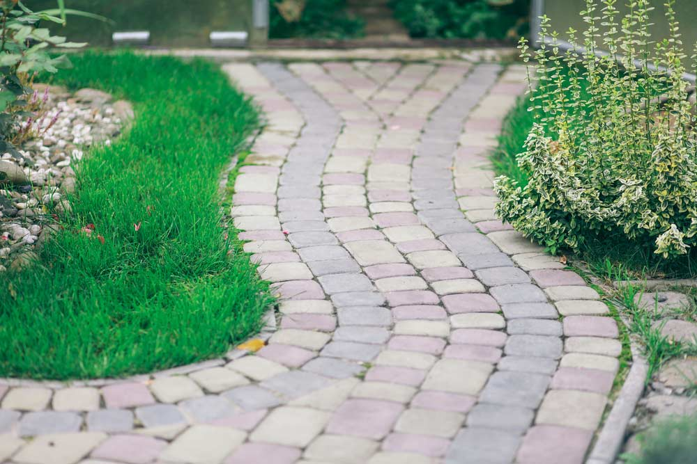How To Clean Pavers With Vinegar Follow These 5 Step By