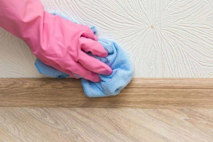 Tips to clean baseboards